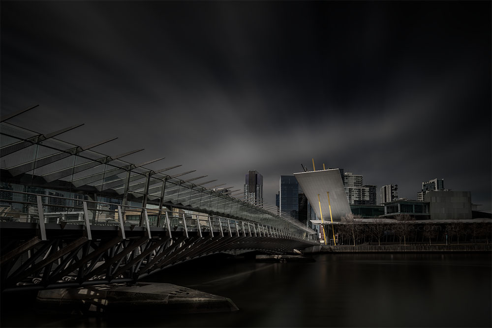 exhibition-building-melbourne-yarrariver-longexposure