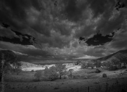 central-tilba-town-infrared-monochrome-25969
