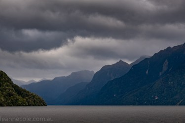 doubtfulsound-weather-waterfalls-newzealand-boat-0547