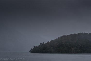 doubtfulsound-weather-waterfalls-newzealand-boat-0645