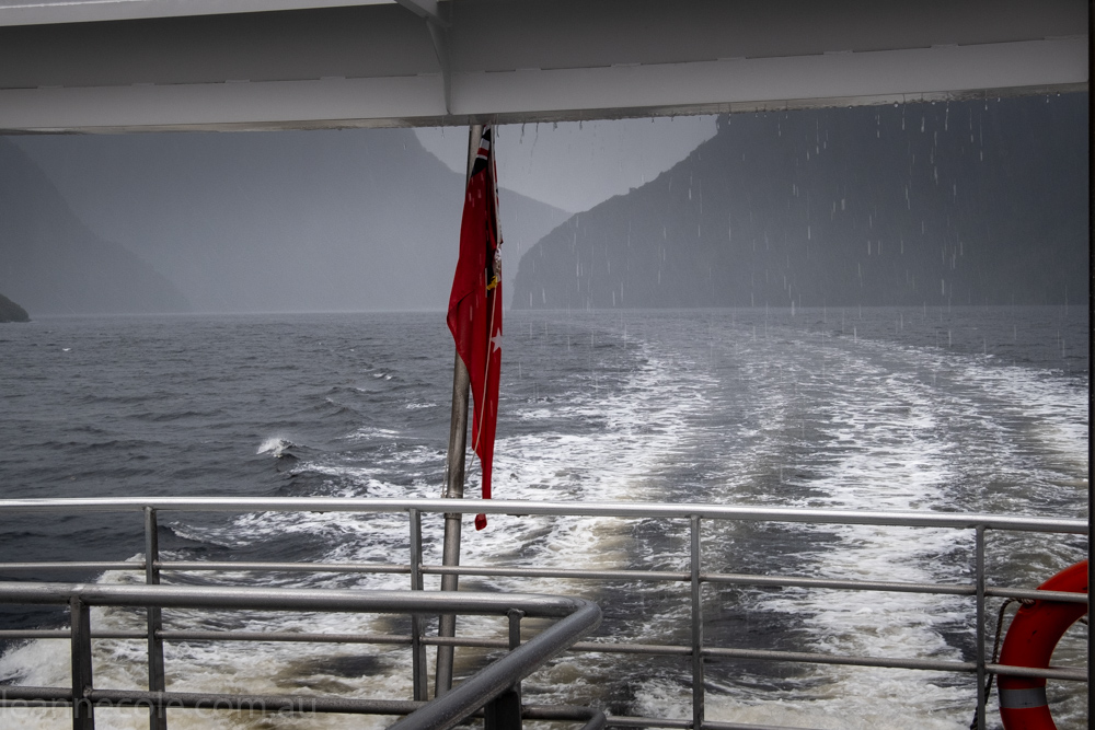 doubtfulsound-weather-waterfalls-newzealand-boat-0749