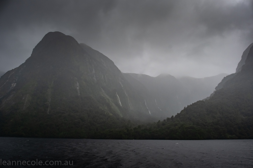 doubtfulsound-weather-waterfalls-newzealand-boat-0751