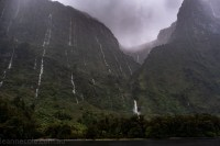 doubtfulsound-weather-waterfalls-newzealand-boat-0860
