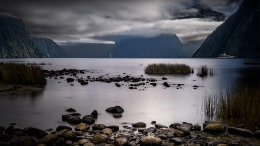 milford-sound-water-longexposure-newzealand