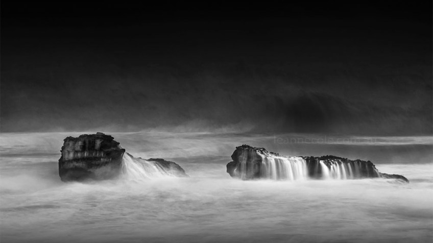Monochrome Wednesday - Waves over rocks