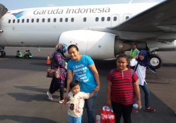 Tips Naik Pesawat Terbang Bersama Anak Supaya Nyaman