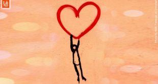 Desenho de criança onde um boneco representando uma pessoa está se segurando em um coração desenhado na cor vermelha mostrando boa autoestima