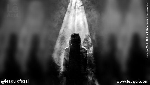 imagem representando diversos obsessores espirituais Divaldo Franco guerra espiritual