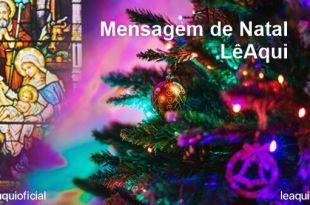 montagem fotográfica com um vitral de igreja representando o nascimento de cristo com nossa senhora mãe santíssima e são josé mensagem Natal 2020