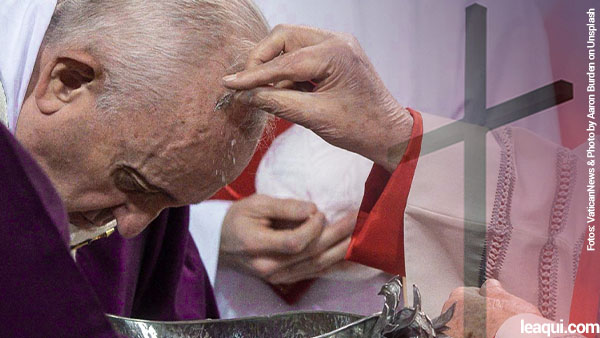 Papa com a cabeça abaixada recebendo as cinzas no início da quaresma de 2021 No início da Quaresma, a mensagem do Papa Francisco