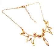 angel-wings-necklace-gold-sunlight-left