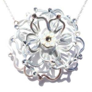 Rose 3D Necklace Silver Moonlight