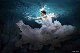 Capture One raw photo editor blogpost Martha superman underwater portraits slider image woman under water wearing floaty gown