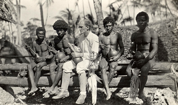 Bronislaw Malinowski with natives on Trobriand Islands in 1918. (Public domain)