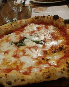 pizza napoletana italy