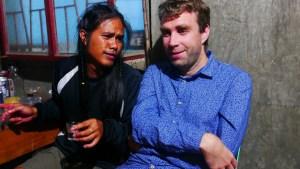 Notre guide Jerrick et Bott qui essaie de résister à l'appel de l'alcool