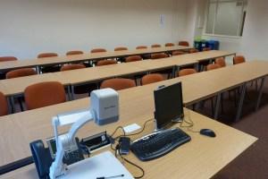 MB552(1) desk view