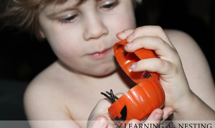 A fun Halloween sensory bin is so easy to throw together!