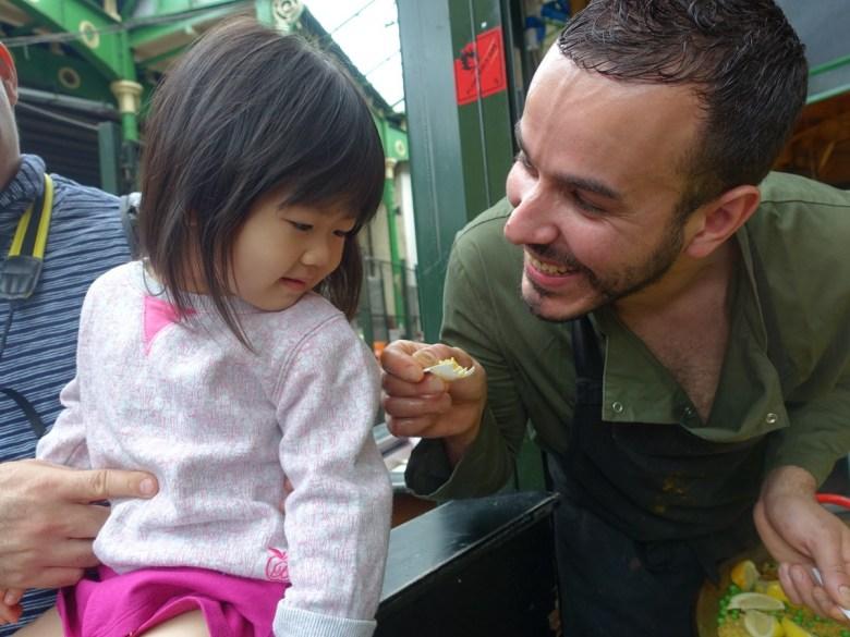 中文家庭的雙語小孩