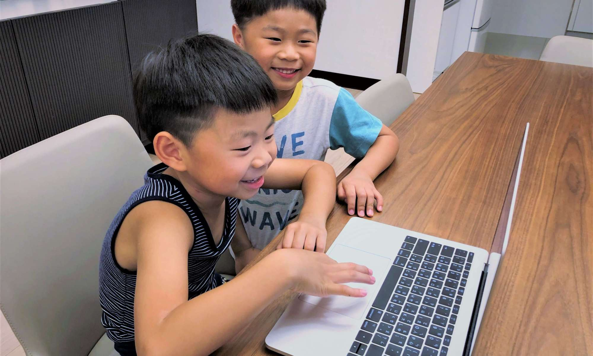 OiKID兒童線上英語課程三個月學習心得:挑對老師進步超快!