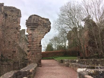 Castle Ruins behind Rosslyn