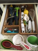 Cooking utensil drawer