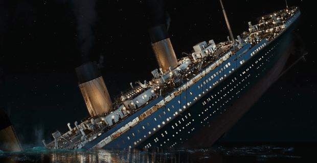 Titanic-distressed