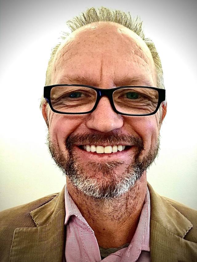 Dr Chris Boland