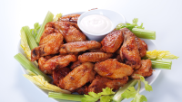chicken wings with white sauce