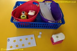 Counting hole punch