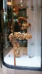 Bäckerei in Oviedo mit einer interessanten Art die Ware auszustellen.