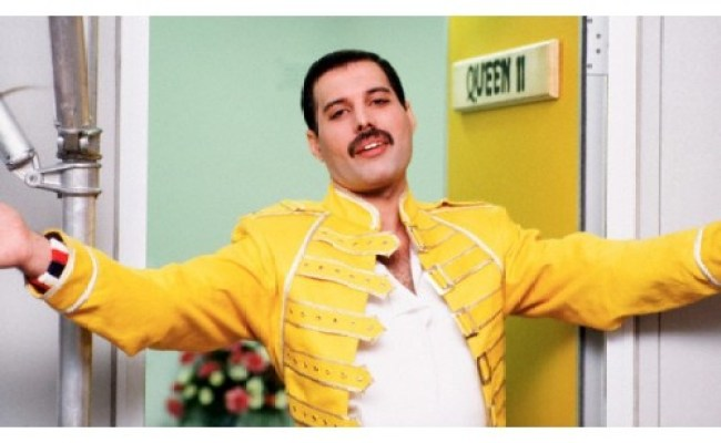 Replica Freddie Mercury Wembley Concert Yellow Jacket Costume