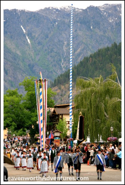 2016 Maifest Parade in Leavenworth, WA. Follow my Leavenworth adventures at LeavenworthAdventures.com.