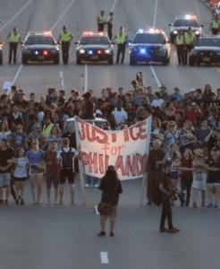 Police & protesters in Minnesota
