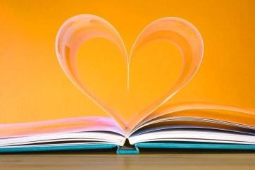 book-748904_960_720