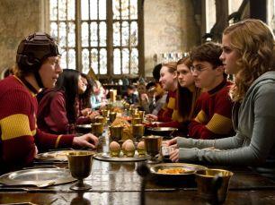 Rupert-Grint-Emma-Watson-et-Daniel-Radcliffe-dans-Harry-Potter-et-le-prince-de-sang-mele-en-2008_width1024