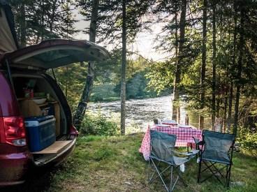 Camping sauvage avec van aménagé à louer
