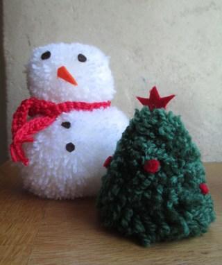 sapin et bonhomme de neige laine pompon