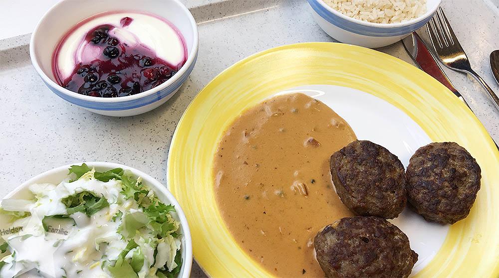 Langer Uni-Tag - Mittagessen in der Mensa