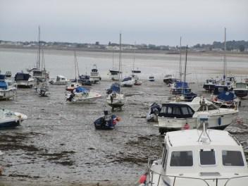 Gorey: Boote bei Ebbe