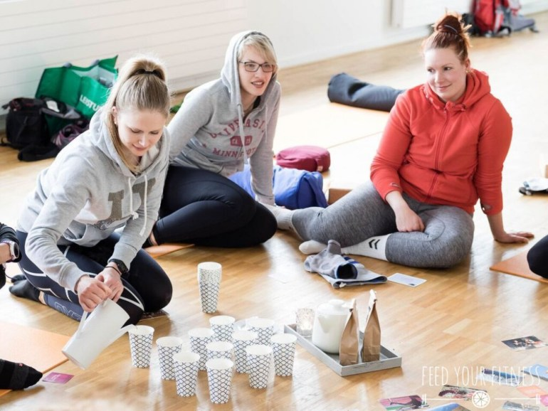 Instagram Bloggertreffen von FEED YOUR FITNESS Yoga Teetrinken