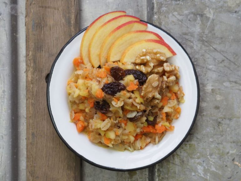 FEED YOUR FITNESS_Carrot Cake Porridge