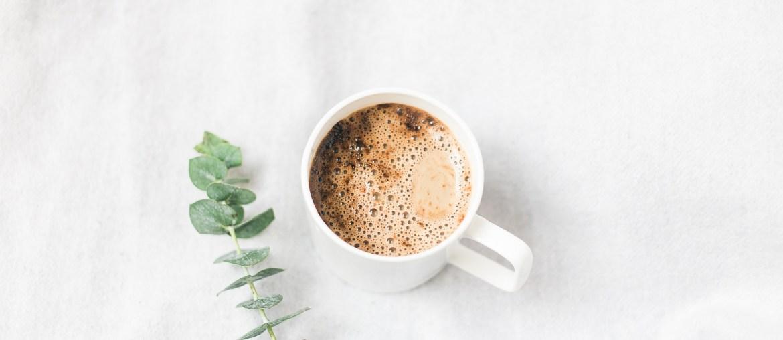 30 Tage Minimalismus Challenge Kafee und Eukalyptus