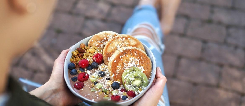 Schoko Smoothie Pancake Bowl auf lebensverliebt.de