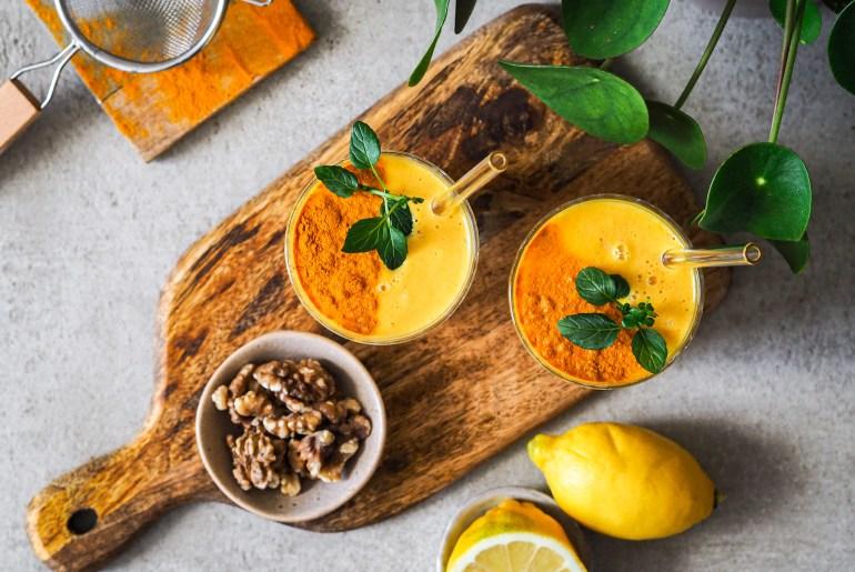 Rezept für einen Kurkuma-Karotten-Smoothie auf lebensverliebt.de