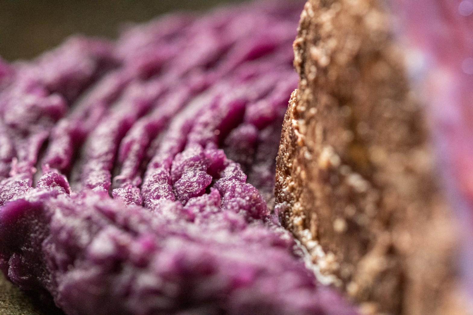 Purê de batata-doce roxa Sous-vide