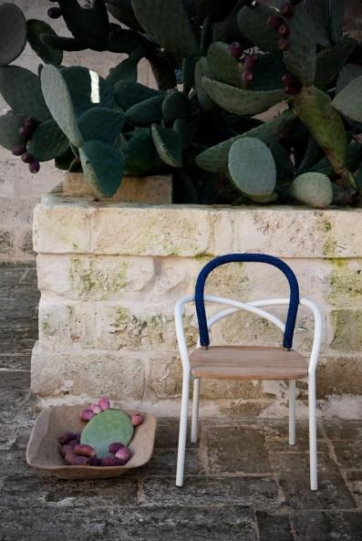 chaise-jardin-bois-et-blanc