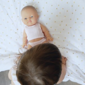 Jolie poupée bébé