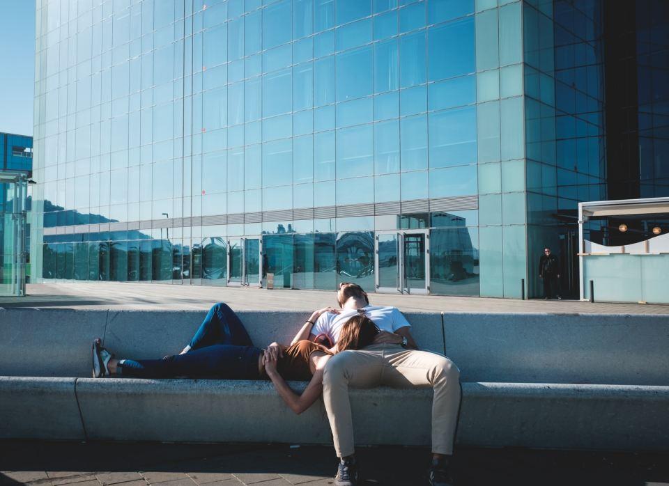 femme-homme-sieste-en-espagne