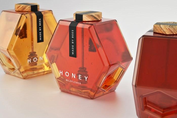 CWWWR Award Maksim Arbuzov Hexagone Honey